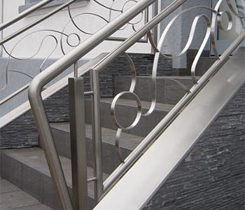 cr ation garde corps portails et toits en moselle. Black Bedroom Furniture Sets. Home Design Ideas