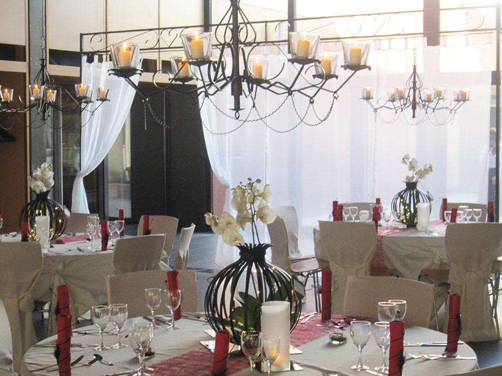 location nappes et housses de chaises en moselle. Black Bedroom Furniture Sets. Home Design Ideas