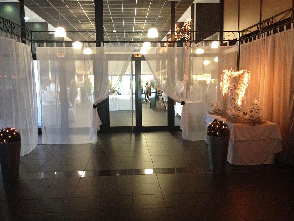 Deco Salle Mariage Voilage : Location panneaux de voilage pour mariage et cérémonie en